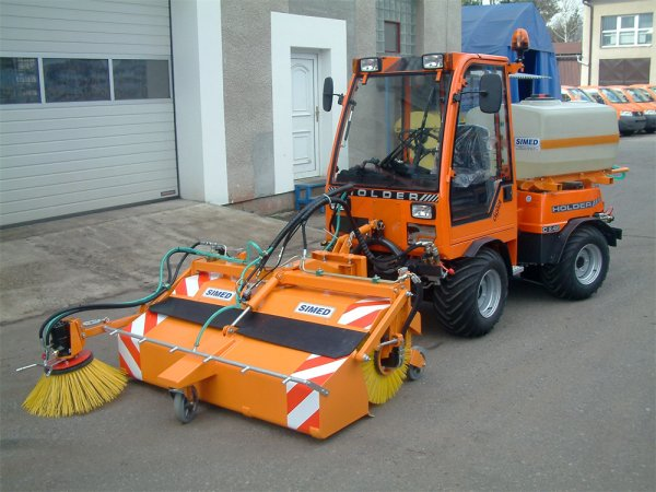 the maintenance of the road sweeper Our road sweeper hire is available in london, home counties and across the uk any of our road sweepers can be hired out with a driver to individuals or small businesses if required we are completely flexible and will accommodate your needs.